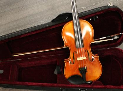 各種メーカー製ヴァイオリン
